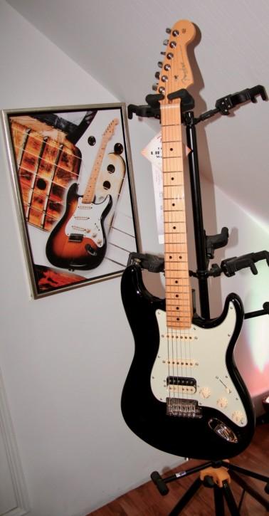 Fender American Pro Stratocaster HSS Shawbucker MN BK
