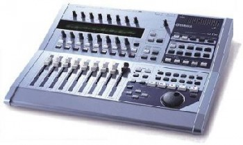 Yamaha 01X Digital Music Studio Aussteller B-Stock