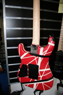 EVH Striped Series 5150 R/B/W