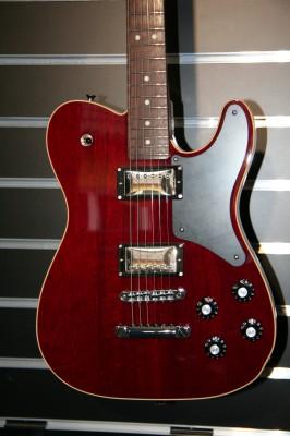 Fender MIJ Troublemaker Telecaster RW Crimson Red